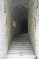 La entrada a la biblioteca...