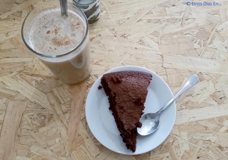 Chai Latte with Rice Milk and Chocolate Cake