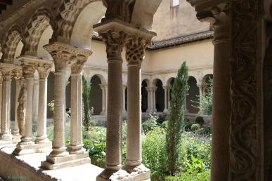 Cathedrale Saint Sauveur,Cloister